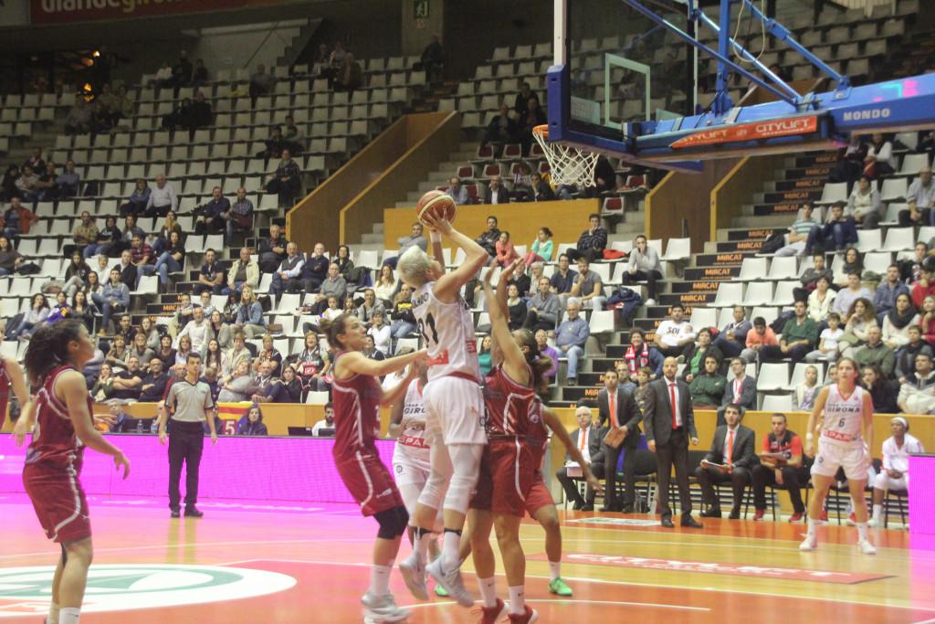 Uni Girona 81 - 68 Gernika Bizkaia