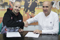 Eric Surís amplia el seu contracte amb l'Spar Citylift Girona.